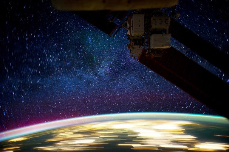 This is What it Looks Like From the International Space Station at Night