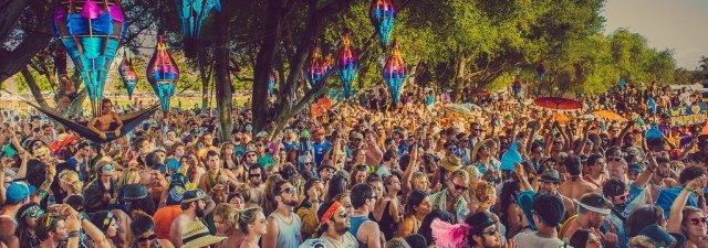 big-day-crowd-1024x360