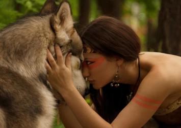 native-americans-artwork-friendship-wolves-women-1366x768